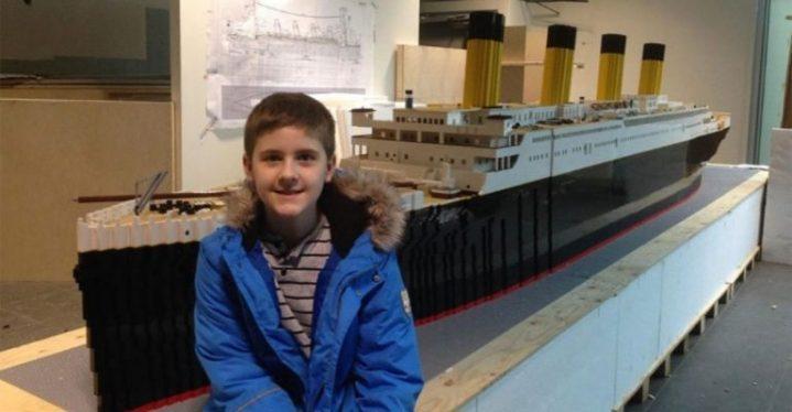 newproposal 37 768x400 719x374 - Menino autista constrói a maior réplica do Titanic usando peças de LEGO
