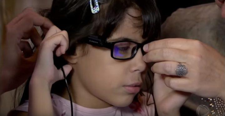 oculos inteligentes podem mudar a vida de deficientes visuais 719x370 - Óculos inteligentes podem mudar a vida de deficientes visuais