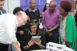 bahia salvador acessibilidade biblioteca central barris cultura 300x200 - Biblioteca passa a oferecer óculos que ajudam deficientes visuais a ler